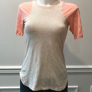 LuLuLemon Tan& Peach stretch T- Shirt